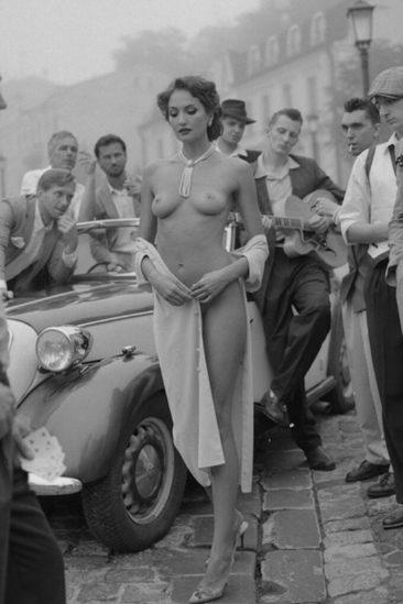 Эротическое ретро фото голой женщины