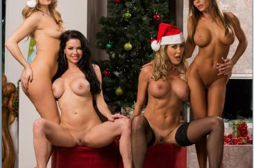 Совместное новогоднее фото порноактрис в шапках