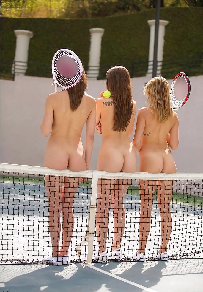 3 голых теннисистки
